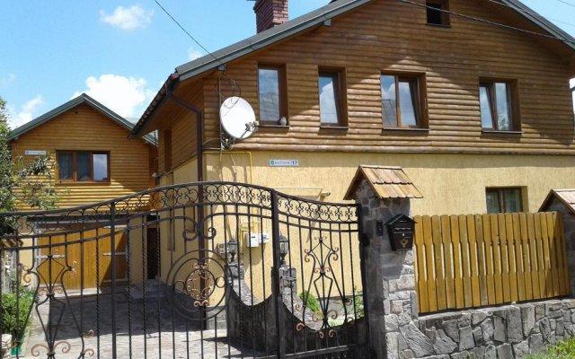 Гостиница Sadyba Skolivska Skelya вид на фасад