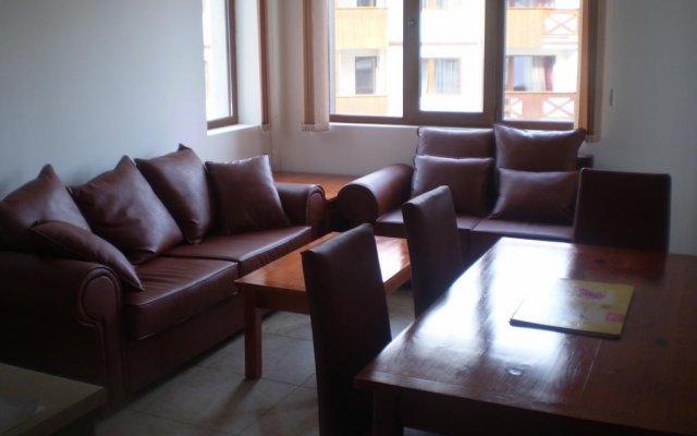 Апартаменты Marks' Apartment in Bansko Банско комната для гостей