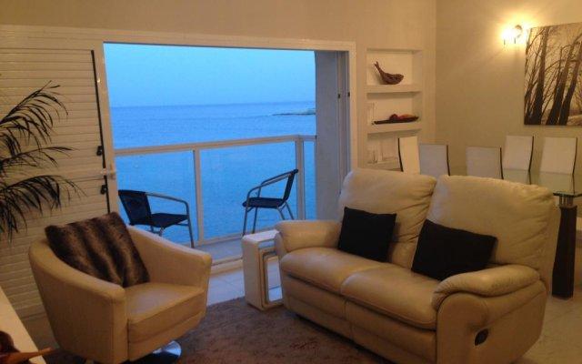 Отель Saint Julian's - Sea View Apartments Мальта, Сан Джулианс - отзывы, цены и фото номеров - забронировать отель Saint Julian's - Sea View Apartments онлайн комната для гостей