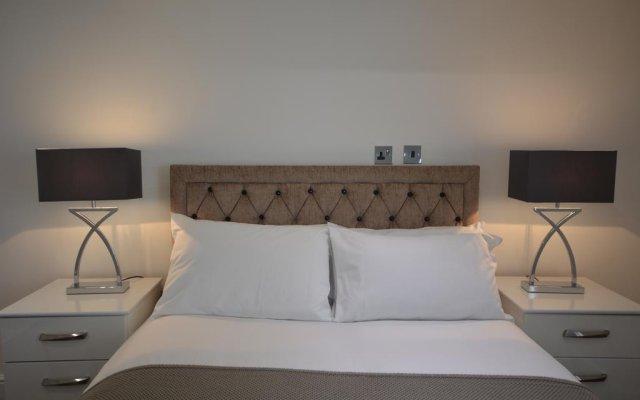Отель Bloomsbury Residences комната для гостей