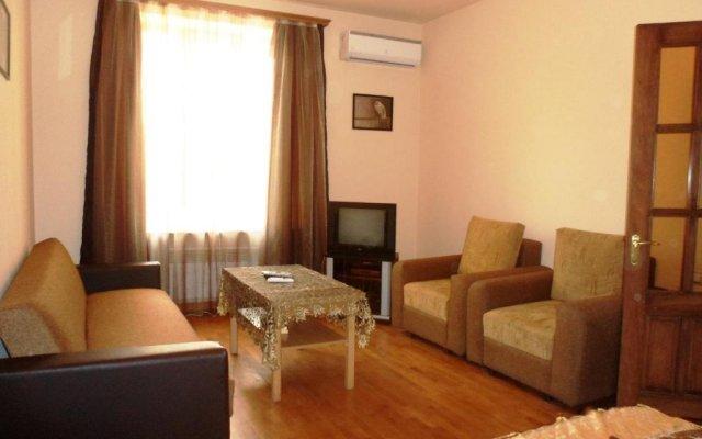 Отель at Abovyan Street Армения, Ереван - отзывы, цены и фото номеров - забронировать отель at Abovyan Street онлайн комната для гостей