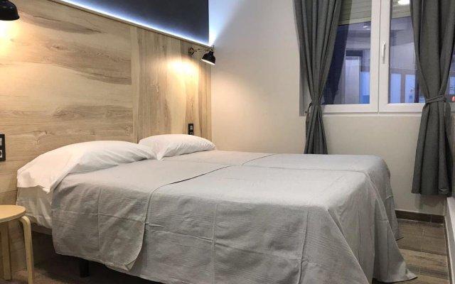 Отель Hostal CC Atocha Испания, Мадрид - отзывы, цены и фото номеров - забронировать отель Hostal CC Atocha онлайн комната для гостей