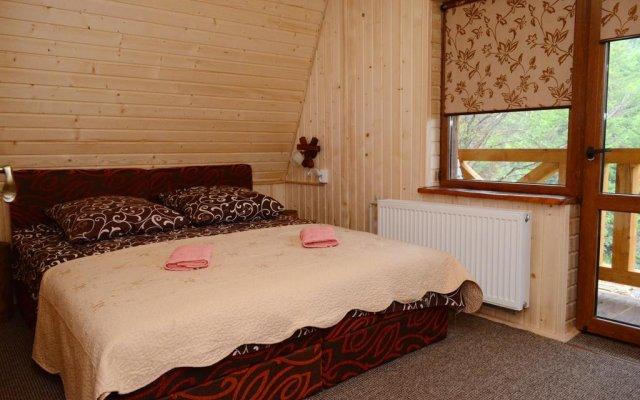 Отель Zarinok Поляна комната для гостей