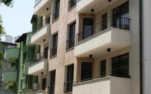 Hotel Gran Via вид на фасад