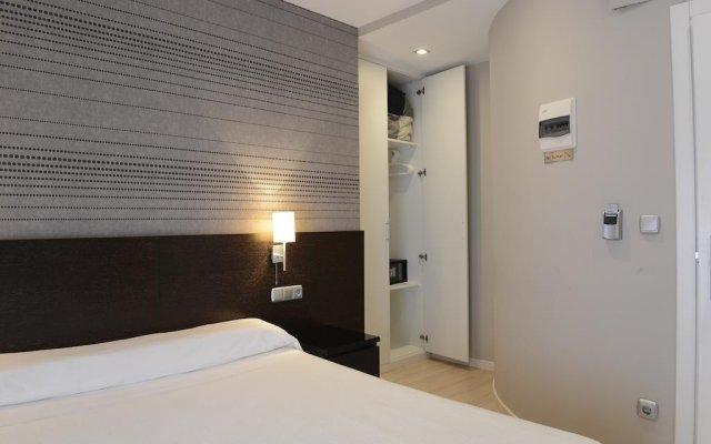 Отель Pensión Altair Сан-Себастьян комната для гостей