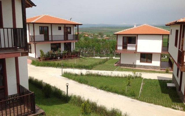 Отель Aleksandrovo Holiday Home Болгария, Равда - отзывы, цены и фото номеров - забронировать отель Aleksandrovo Holiday Home онлайн балкон