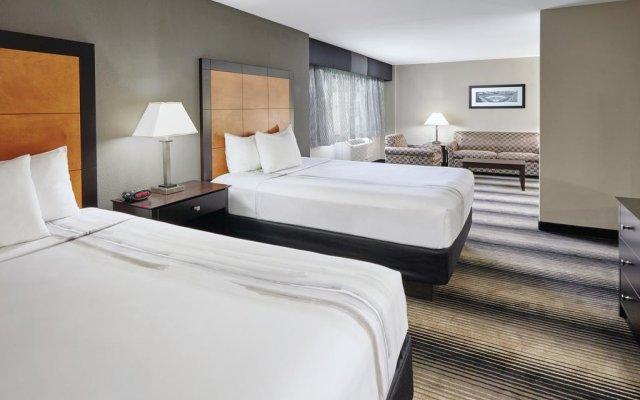 La Quinta Inn & Suites Chicago - Lake Shore 1