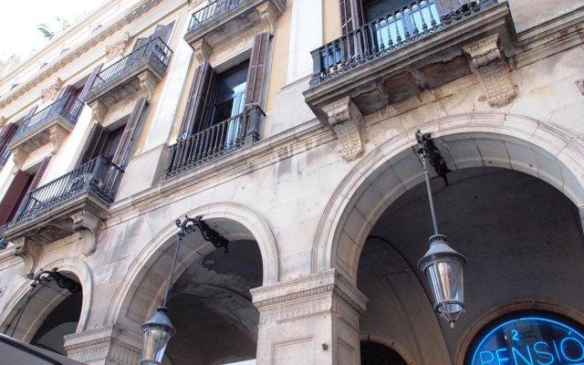 Отель Pension Villanueva вид на фасад