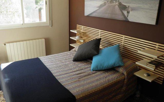 Отель Villa Dorada – Piscina Y Billar Испания, Калафель - отзывы, цены и фото номеров - забронировать отель Villa Dorada – Piscina Y Billar онлайн комната для гостей