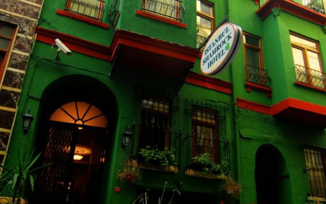 Istanbul Irish Hotel вид на фасад