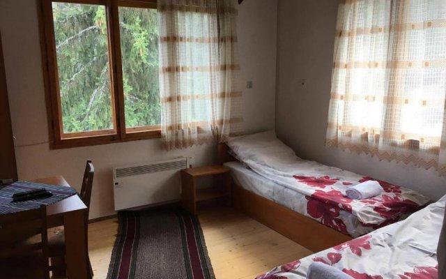 Отель Guesthouse Kutela Болгария, Чепеларе - отзывы, цены и фото номеров - забронировать отель Guesthouse Kutela онлайн комната для гостей