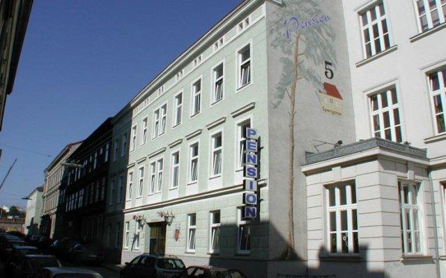 Отель Pension Fünfhaus вид на фасад