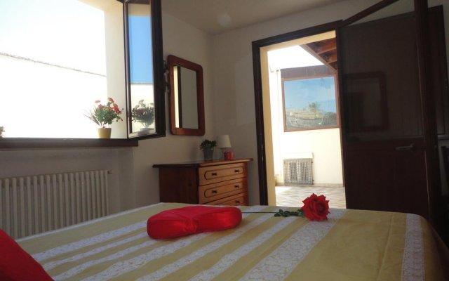 Отель Giovi Лечче комната для гостей