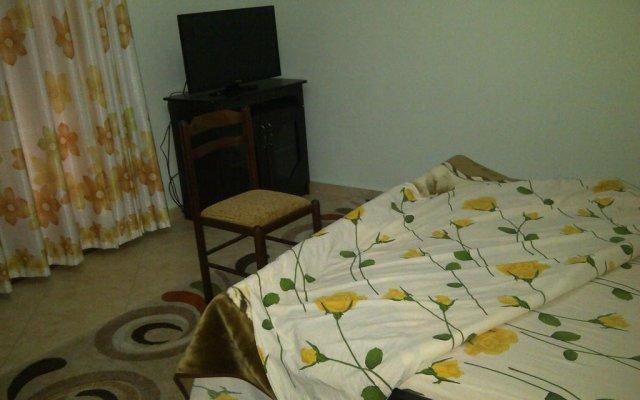 Отель Guest House Fatos Biti Албания, Голем - отзывы, цены и фото номеров - забронировать отель Guest House Fatos Biti онлайн комната для гостей
