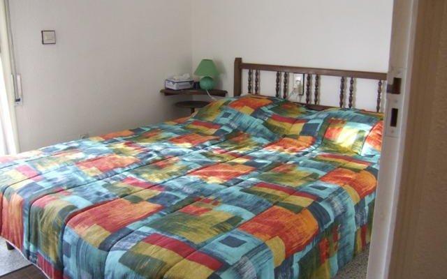 Отель Casa 5043 Los Ángeles 10 Испания, Курорт Росес - отзывы, цены и фото номеров - забронировать отель Casa 5043 Los Ángeles 10 онлайн комната для гостей