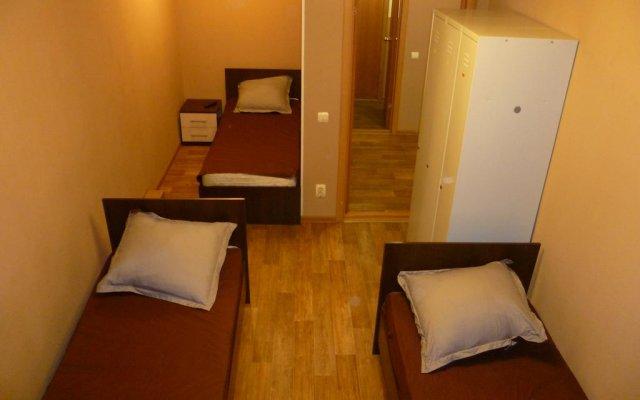 Гостиница Komsomolskiy в Уссурийске отзывы, цены и фото номеров - забронировать гостиницу Komsomolskiy онлайн Уссурийск комната для гостей