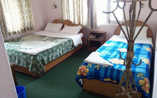 Отель Lakeway Apartments and Rooms Непал, Покхара - отзывы, цены и фото номеров - забронировать отель Lakeway Apartments and Rooms онлайн комната для гостей