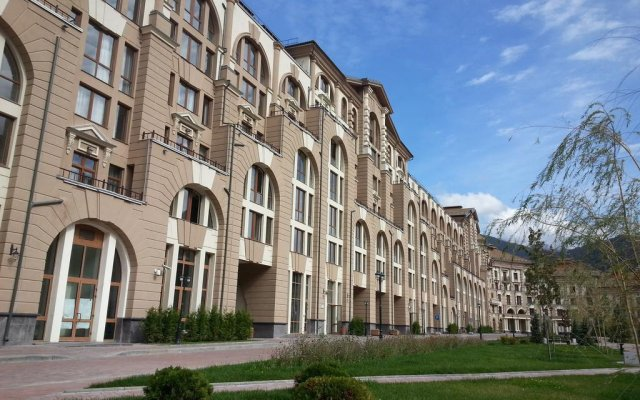 Апартаменты Времена Года Красная поляна вид на фасад