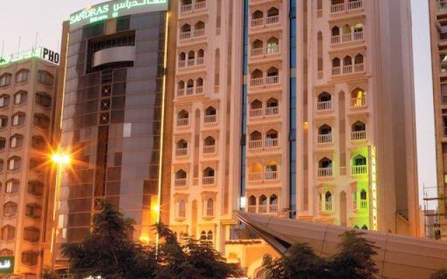 Landmark Plaza Hotel вид на фасад