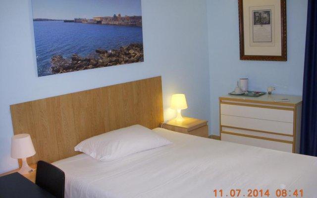 Отель B&B Neapolis Сиракуза комната для гостей