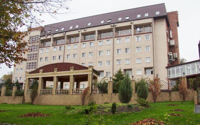 Парк-отель Надежда вид на фасад