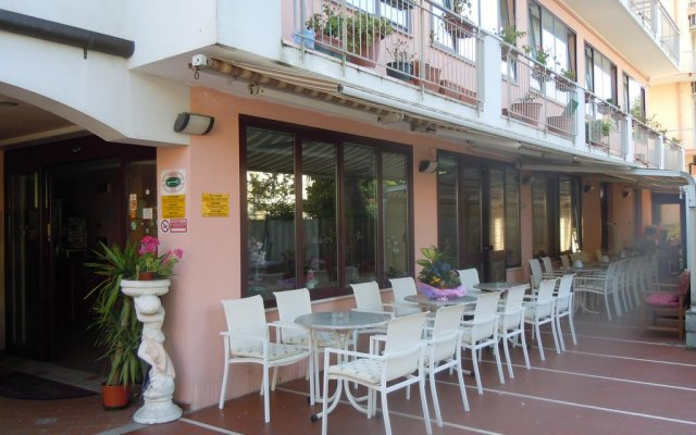 Hotel Bel Sogno вид на фасад