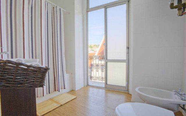 Отель The Imperial Guesthouse Португалия, Лиссабон - отзывы, цены и фото номеров - забронировать отель The Imperial Guesthouse онлайн комната для гостей