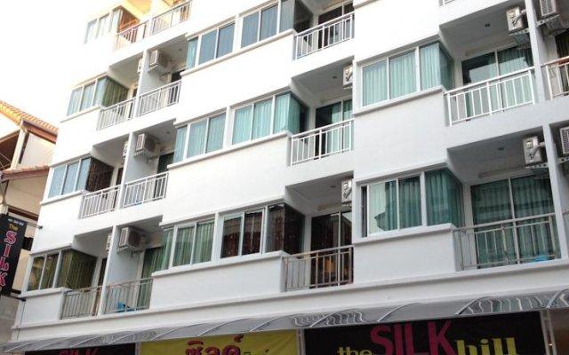 The Silk Hill Hotel вид на фасад