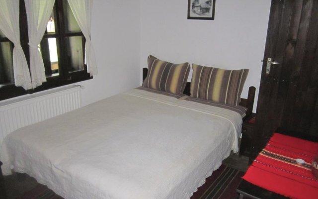 Отель Hadzhi Velinov Han Боженци комната для гостей