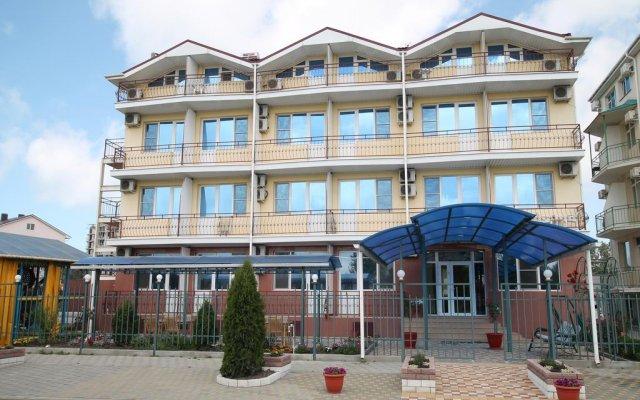 Гостиница Эдельвейс вид на фасад
