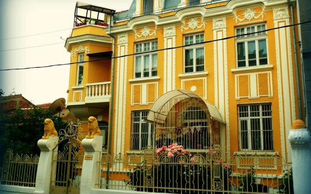 Отель Babinata House вид на фасад