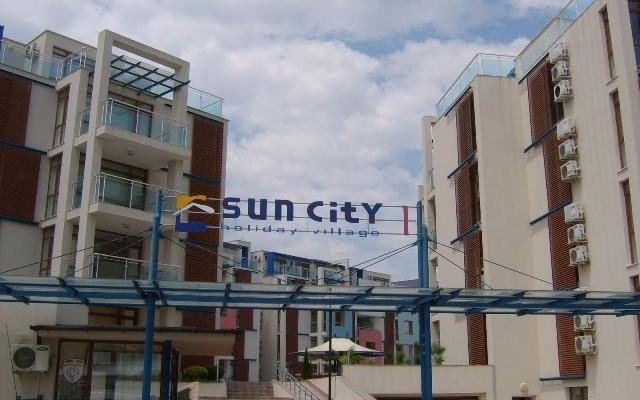 Апартаменты Sun City 1 Holiday Apartments Солнечный берег вид на фасад