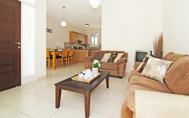 Отель Villa Alina Кипр, Протарас - отзывы, цены и фото номеров - забронировать отель Villa Alina онлайн комната для гостей