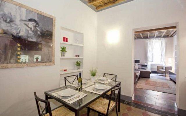 Отель Thebestinrome Banchi Nuovi комната для гостей
