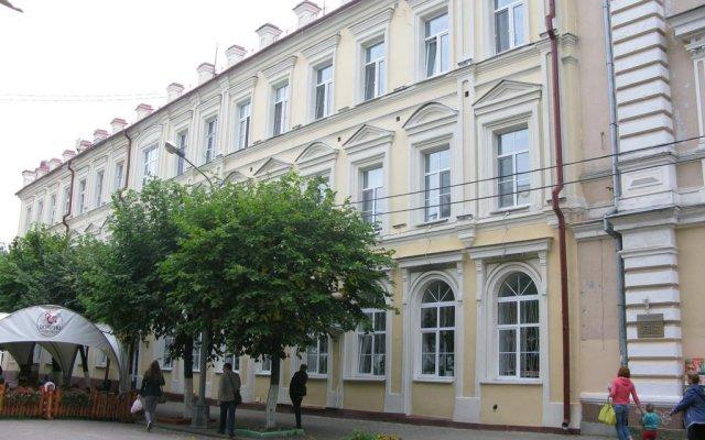 Апартаменты В Центре вид на фасад