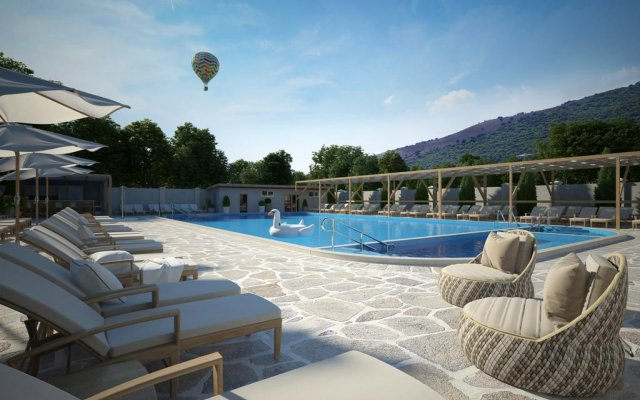 Democratia Hotel 2
