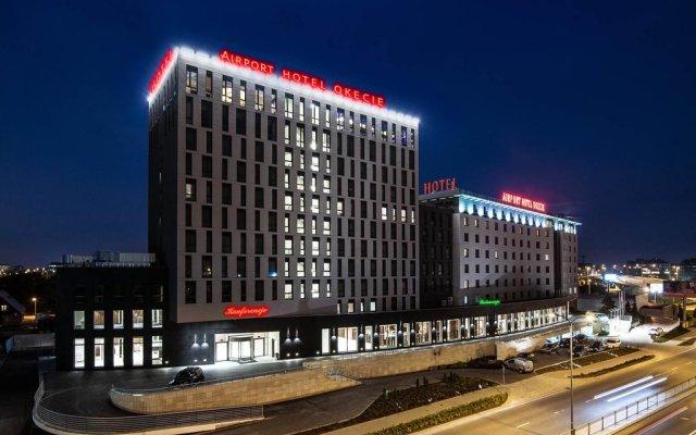 Отель Airport Okecie Варшава вид на фасад