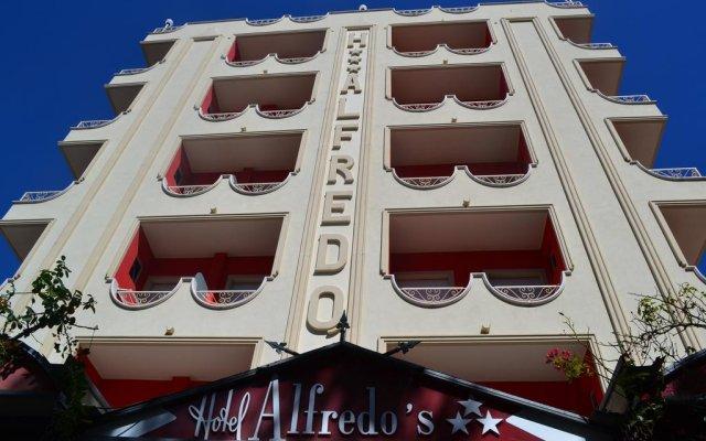 Hotel Alfredo's бассейн