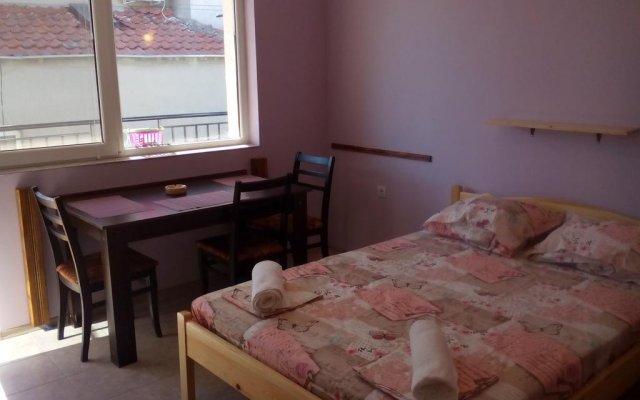 Отель Guest House Villa Yavorov 2 Поморие комната для гостей