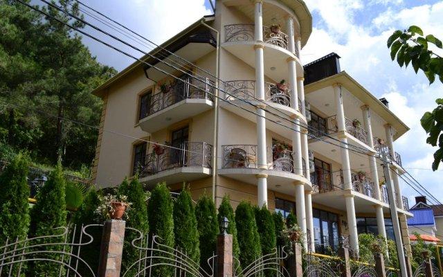 Гостиница Гостевой дом Европейский в Сочи 1 отзыв об отеле, цены и фото номеров - забронировать гостиницу Гостевой дом Европейский онлайн вид на фасад