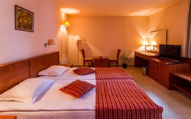 Отель Plaza Hotel Болгария, Варна - отзывы, цены и фото номеров - забронировать отель Plaza Hotel онлайн комната для гостей