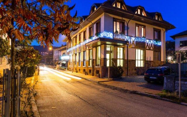 Teteven Hotel вид на фасад