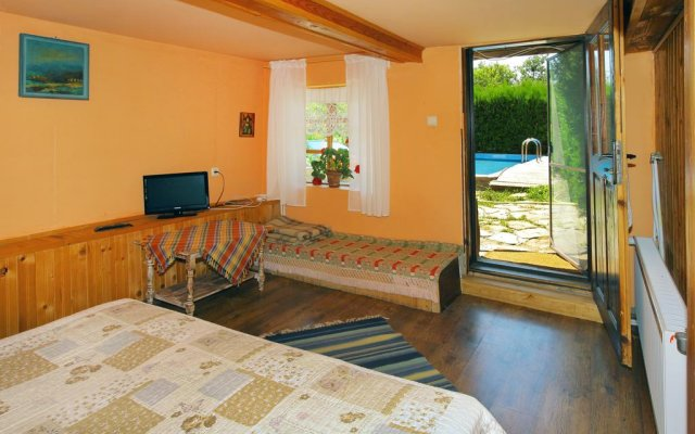 Отель Guest House Marina Шумен комната для гостей