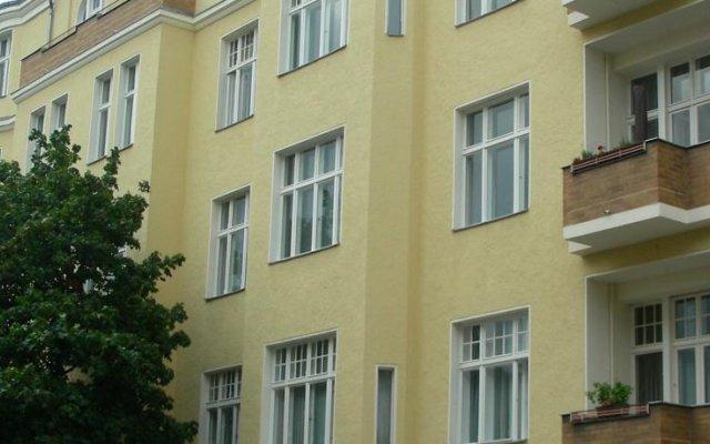 Отель Pension Brinn Берлин вид на фасад