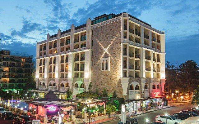Babylon Hotel вид на фасад