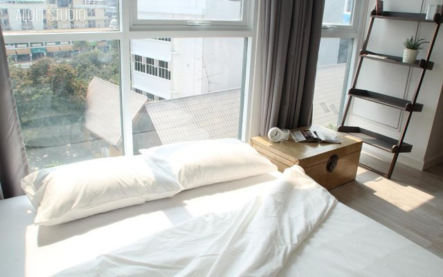 Апартаменты Aloft Studio комната для гостей