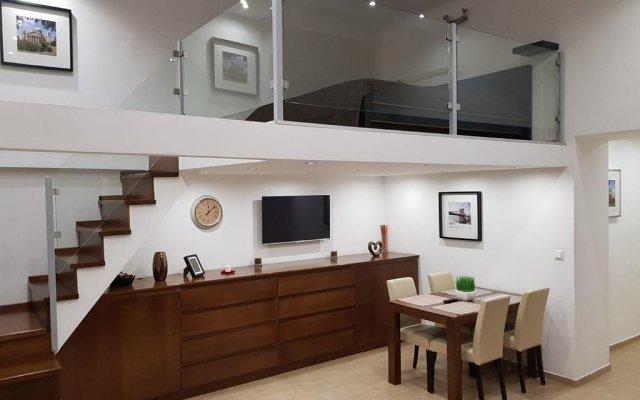 Отель Beige & Brown комната для гостей