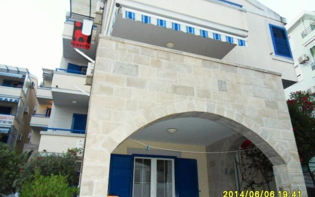 Апартаменты Apartments Rafailovici вид на фасад