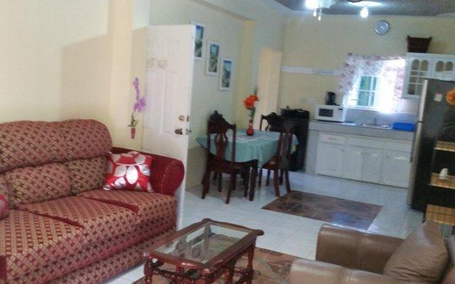 Отель Relax in Sunny Montego Bay, JA комната для гостей