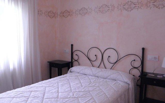 Отель Hostal Paquita Испания, Мадрид - отзывы, цены и фото номеров - забронировать отель Hostal Paquita онлайн комната для гостей